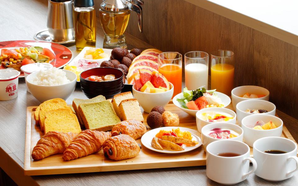 hotel breakfast的圖片搜尋結果